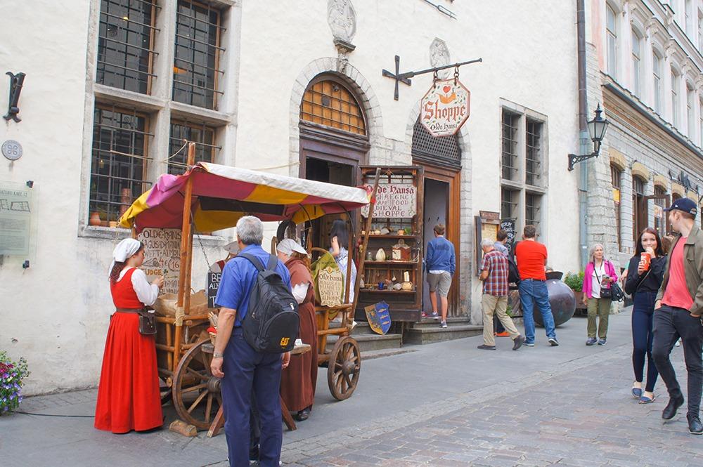 5世紀当時の商家を、歴史家監修のもと再現しているだけあって、その当時にタイムスリップした感じになっちゃいますよ!